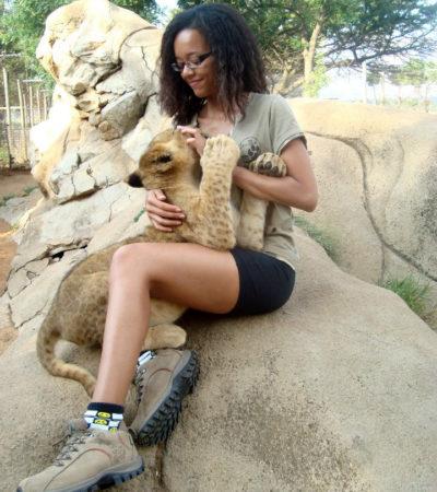 Lis Lima relata experiência de turismo voluntário na África
