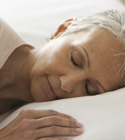 Entenda como o sono muda com a idade