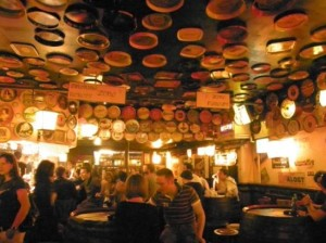 Delirium bar comercializa mais de mil marcas da bebida