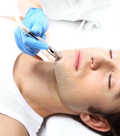 Vaidade masculina e a procura dos homens às cirurgias plásticas