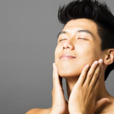 Benefícios do uso de ácido hialurônico no tratamento de antienvelhecimento masculino